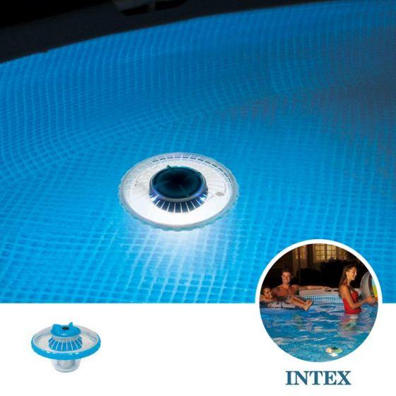 LED-flotante-para-iluminar-su-piscina-INTEX™